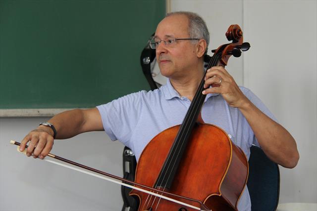 Antonio Meneses. Foto de Alice Rodrigues